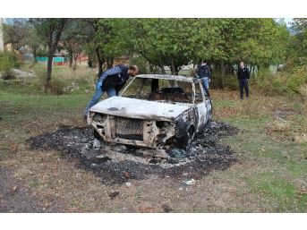 Uyandığında Arabasını Küle Dönmüş Olarak Buldu