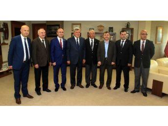 Başkan Karaosmanoğlu, Siyasi Parti İl Başkanlarını Ağırladı