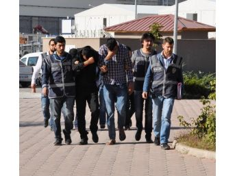 Sivas'ta Telefon Dolandırıcıları Yakalandı