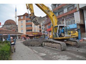 Alaplı Belediyesi Asfalt Serim Çalışmalarını Sürdürüyor