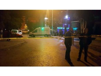 Gece Kulübünde Çıkan Kavga Kanlı Bitti: 1 Ölü, 3 Yaralı