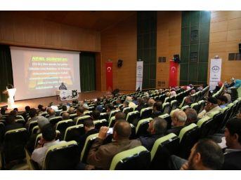 'müslümanca Düşünme Ve Yaşama Sorunumuz' Konulu Konferans Düzenlendi