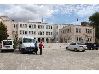 İzmir'de 35 Subay Ve Astsubaya 'bylock' Tutuklaması