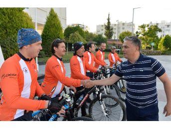 Muratpşalı Bisikletçiler 29 Ekim İçin Ankara Yolunda