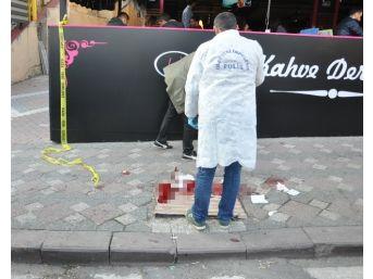 Sokak Ortasında Bıçaklı Kavga: 3 Yaralı