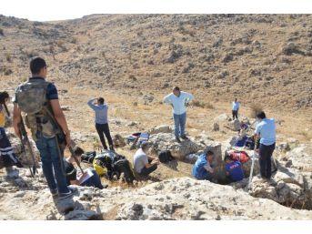 Hazine Ararken Mağarada Mahsur Kalan 3 Kişiyi Afad Ve İtfaiye Kurtardı