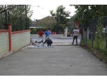 Sapanca Belediyesi Parke Taşı Çalışmalarını Devam Ettiriyor