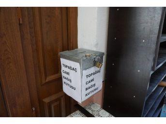 Camideki Hırsızlık Anı Güvenlik Kamerasına Yansıdı
