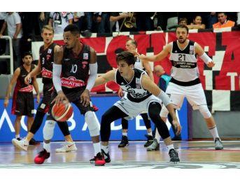 Muratbey Uşak, Beşiktaş Sj'a Mağlup Oldu