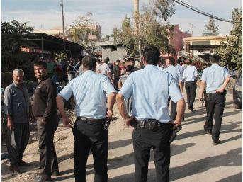 Traktör Haczinde Polis Yaralandı