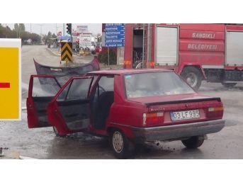 Sandıklı'da Otomobil Yangını