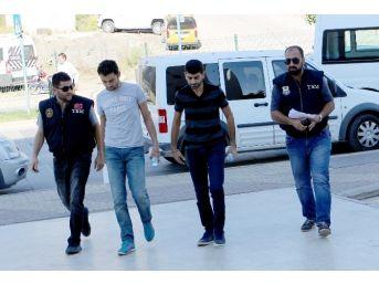 Fetö Soruşturmasında Gözaltına Alınan 4 Memur Adliyeye Sevk Edildi