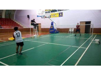 Aydın'da Cumhuriyet Haftası Badminton Müsabakaları Tamamlandı