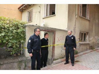 55 Yaşındaki Şahıs Evinde Ölü Bulundu