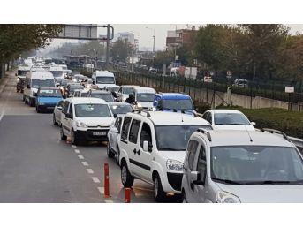 Yenilenen Mudanya Kavşağı Uzayan Araç Kuyruklarına Çözüm Olmadı