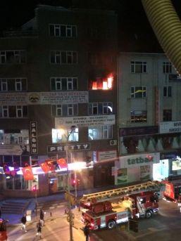 (özel Haber) Sultanbeyli'de Korkutan Yangın