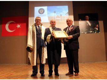 Seferhisar Belediye Başkanı Soyer'e Fahri Doktora Unvanı