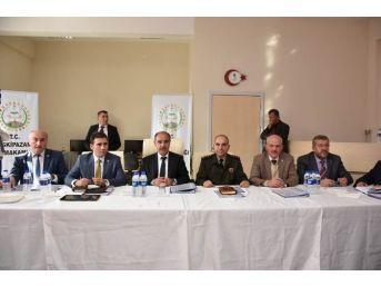 Vali Mehmet Aktaş Eskipazarlı Muhtarlarla Bir Araya Geldi