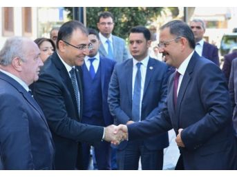 Çevre Ve Şehircilik Bakanı Mehmet Özhaseki: