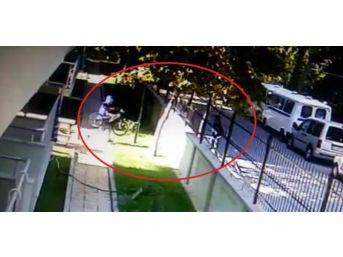 (özel Haber) Manisa'da Bisiklet Hırsızlığı Güvenlik Kamerasında