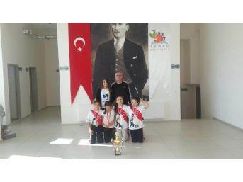 Yunusemre'nin Judo Takımları Türkiye Şampiyonu Oldu