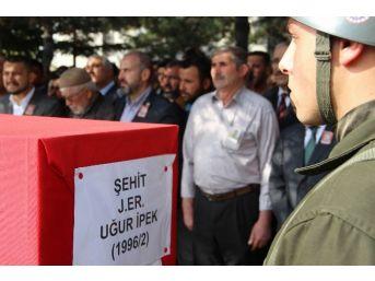 Şehit İpek'i Son Yolcuğuna Binler Uğurlandı