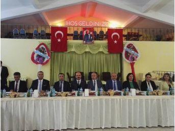 Altunhisar Kaymakamı Mehmet Erdem Şehit Ve Gazi Ailelerine Yemek Verdi