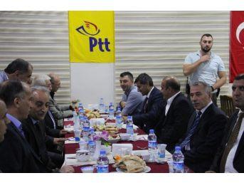 Silopi'de Ptt Çalışanları İçin Yemek Verildi