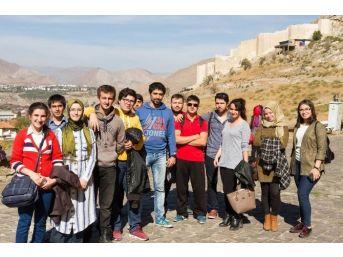 Cumhuriyet Üniversitesi'ne Yeni Kayıt Yaptıran Öğrencilere Sivas Tanıtılıyor