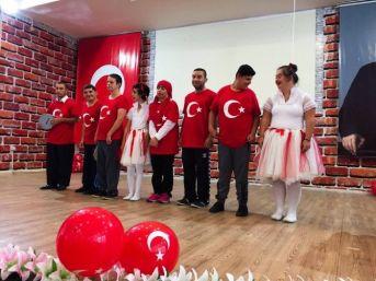 Yeşil Düzce Eğitim Okulu'dan Cumhuriyete Anlamlı Kutlama