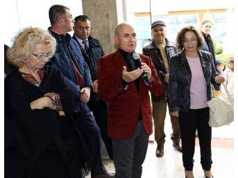 Muhteşem Atatürk Resimleri Büyükçekmece'de Sergileniyor