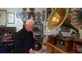 (özel Haber) Bu Da Gramofon Ve Taş Plak Müzesi