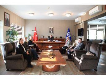 Uşak Üniversitesi'nde Tekstil, Deri Ve Seramik Birleşecek