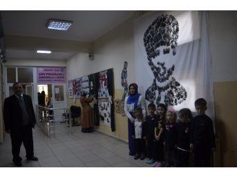 Minik Yürekler El İzleriyle Atatürk'ü Resmetti