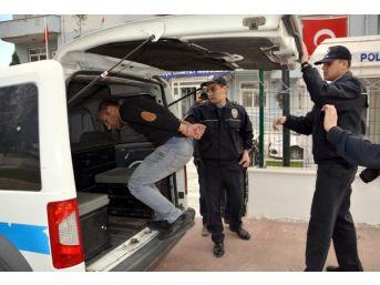 'savcı' Ve 'polis' Olarak Tanıtan Telefon Dolandırıcısı Suçüstü Yakalandı