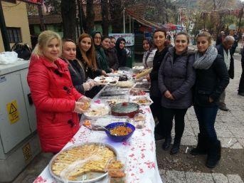 Ak Parti Kadın Kolları Kermes Düzenledi