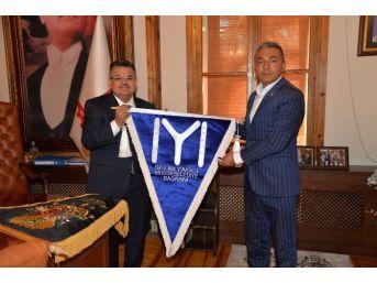 Başkan Yağcı'ya Karakeçili Yörükler Türkmenler Derneği'nden Ziyaret