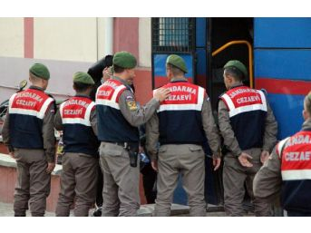 Pkk'nın Hücre Evi Baskınında 8 Üniversitelinin Yargılanmasına Devam Edildi