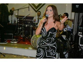 Şarkıcı Lara, 'larabesk' Albümüyle Geliyor