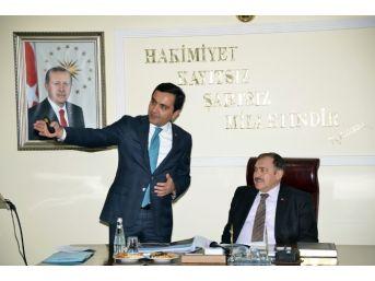 Bakan Eroğlu'ndan Başkan Bahçeci'ye Övgü