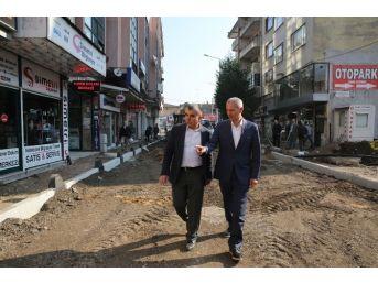 Başkan Dişli, Eski Reji Sokak'taki Çalışmaları İnceledi