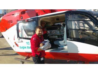 Ambulans Helikopterler 2 Aylık Bebek İçin Seferler Oldu