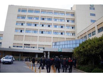 Akdeniz Üniversitesinde İki Grup Öğrenci Arasında Kavga