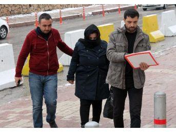 Yakalanması İçin Ödül Konulan Dolandırıcı Kadın Elazığ'da Yakalandı