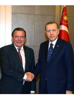 Cumhurbaşkanı Erdoğan, Eski Almanya Başbakanı Schröder'i Kabul Etti