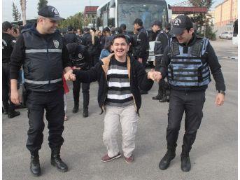 Engelliler Polis Oldu Yakınları Gözyaşlarına Boğuldu