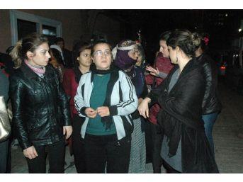 Kadın Platformu Üyeleri Songül Ve Şehriban Cinayetlerini Protesto Etti