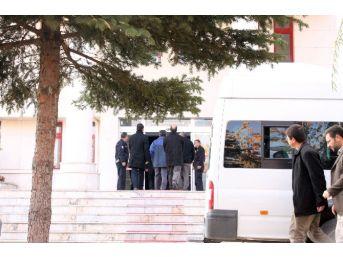 Fetö'den Gözaltına Alınan 13 Şahıs Adliyeye Sevk Edildi