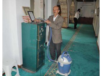 Camiden Hırsızlık Şüphelilerinden 3'ü Tutuklandı