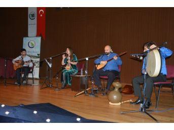 Düzce Üniversitesinde Zeybekler Konseri Düzenlendi